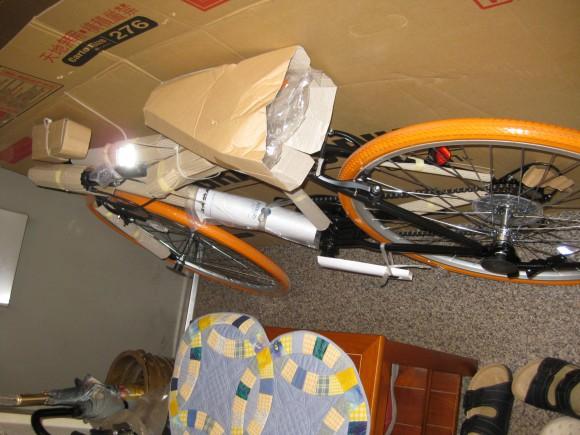 ダンボールから出たクロスバイク