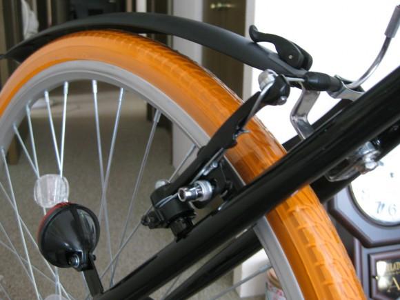 クロスバイクGRAPHIS GR-001フェンダー取り付け後輪 成功