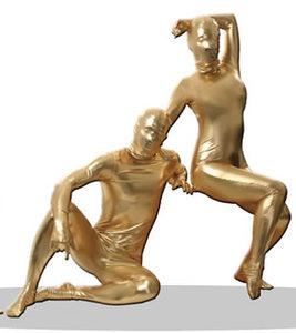 金色に輝く全身タイツ