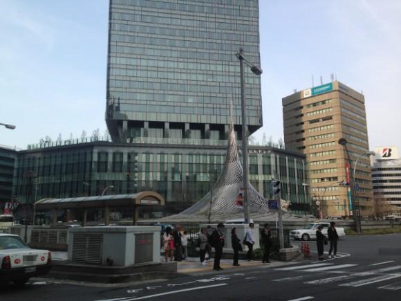 名駅のシンボル「飛翔」
