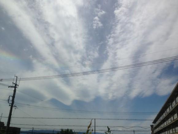 吹き飛ばされる雲と虹@稲沢市