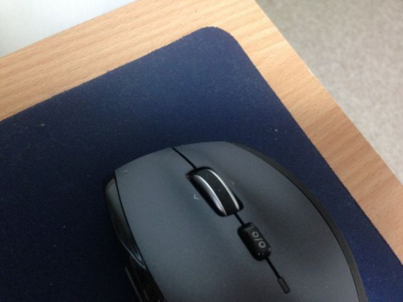 ホイールの下のボタンのオンオフで、ホイールが無限に回転するように変えられます。